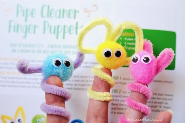 Adorable finger puppets made with pom poms and pipe cleaners